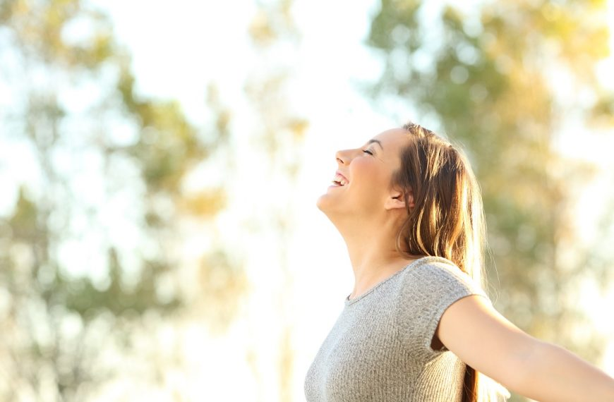 Can Laughter Improve Your Health? Here's What to Know