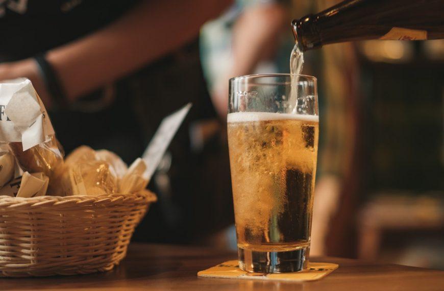 """Bud Light, Coors Lite, Miller Lite Calories: Is """"Healthy Beer"""" Real?"""